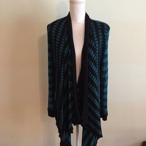 Exclusively MISOOK blue & black open cardigan